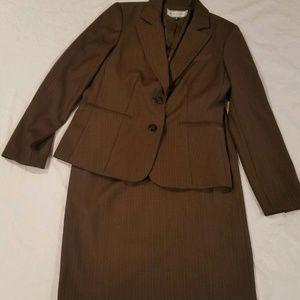 Travis Ayers Studio brown skirt suit Size 8